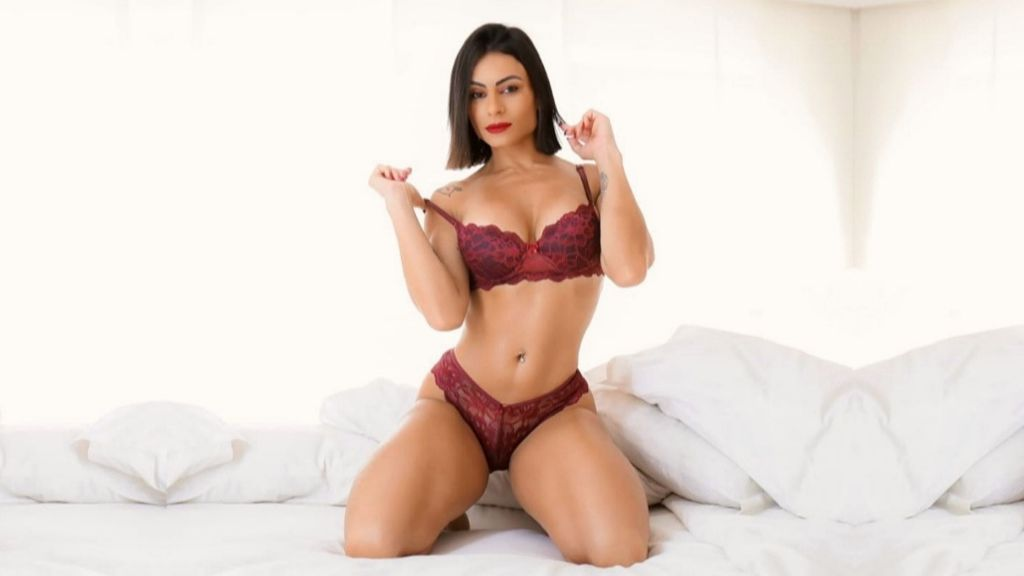 Larissa - Model of the week